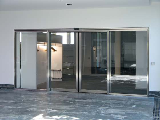 Forster fuego light EI30 | Fire-rated sliding door by Forster Profile Systems | Entrance doors
