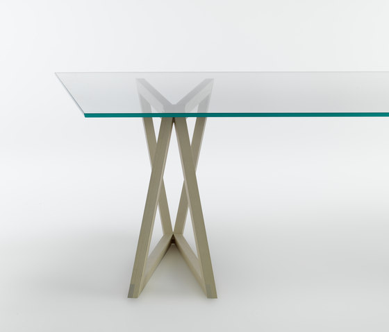 QuaDror 02 by CASAMANIA-HORM.IT | Dining tables
