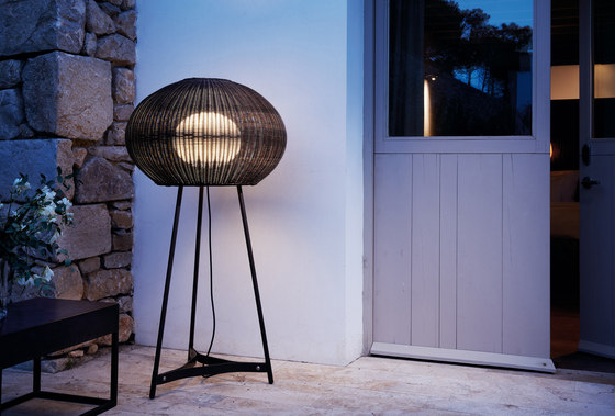 Garota P/02 Outdoor by BOVER   Free-standing lights