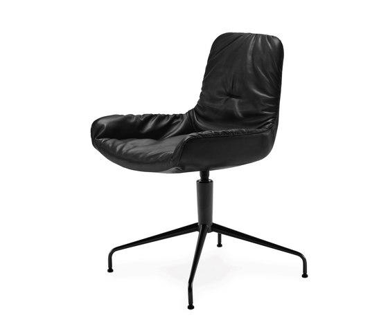 Leya | Armchair Low mit Sternfuß von Freifrau Sitzmöbelmanufaktur | Besucherstühle