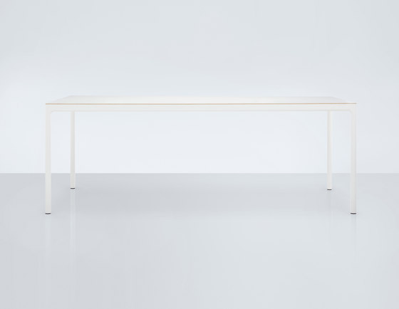 Edge by Modus | Dining tables