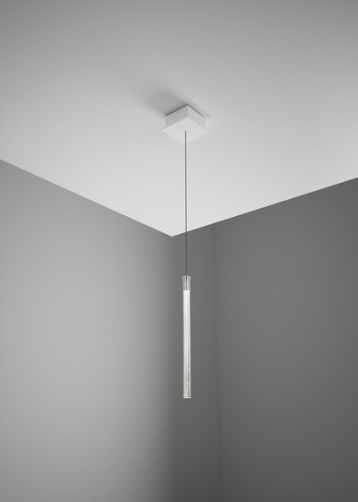 Tooby F32 A06 00 by Fabbian   Suspended lights