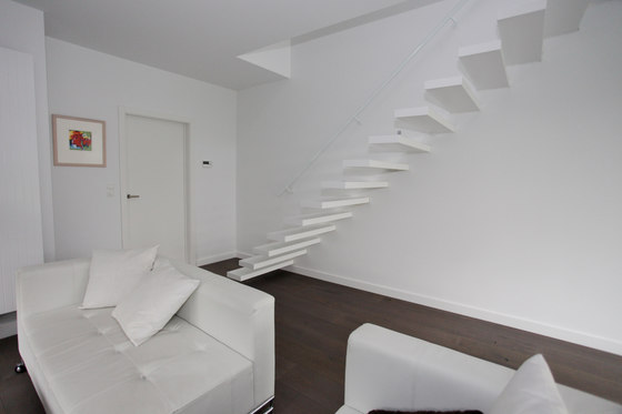 Floating Stairs Wood TRE-534 de EeStairs | Sistemas de escalera