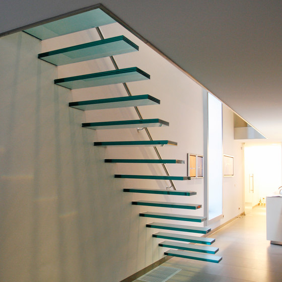 Floating | Straight Stairs Glass TRE-474 de EeStairs | Sistemas de escalera