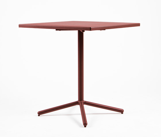 CP9105 Table by Maiori Design | Bistro tables