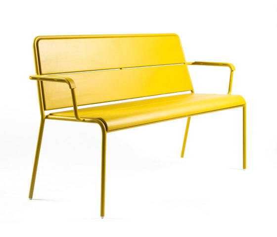 CP9111 Bench by Maiori Design | Garden benches