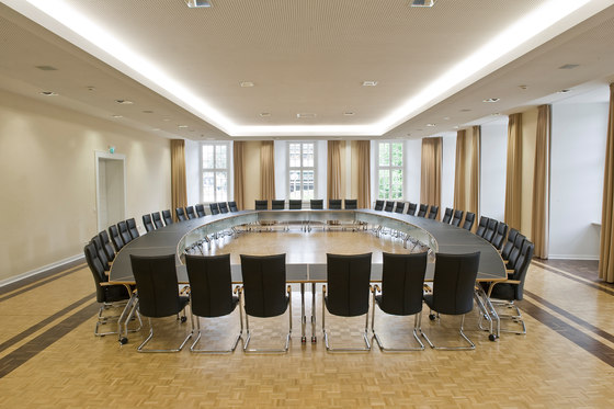 fallon conference table di fröscher | Tavoli contract