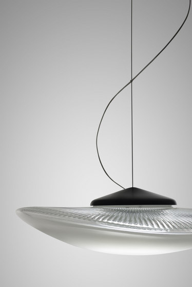 Loop F35 A01 00 by Fabbian | Suspended lights