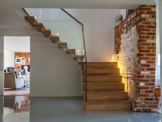 Floating | Straight Stairs Wood TRH-571 de EeStairs | Sistemas de escalera