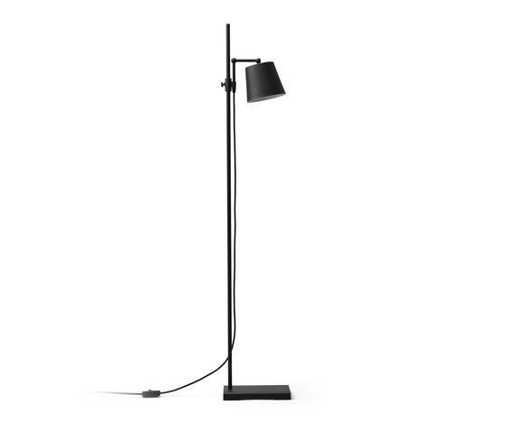 Steel Lab Light floor black von Karakter Copenhagen | Standleuchten