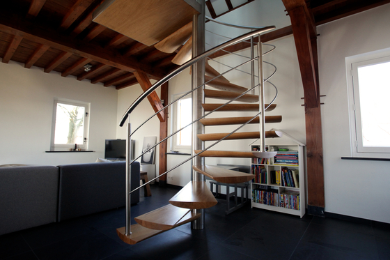 Moon Stairs | Spiral Stairs Wood TSE-600 by EeStairs | Staircase systems