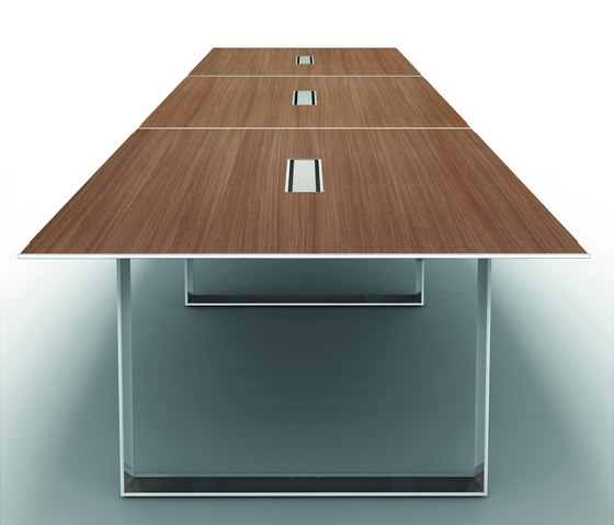 X7 by Quadrifoglio Group | Contract tables
