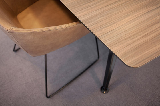 Ahrend 1200 Edition by Ahrend | Contract tables