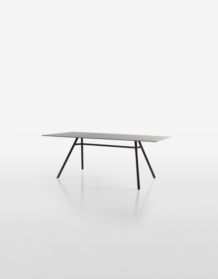 Mart Table 9820-01 | 9843-01 by Plank | Dining tables