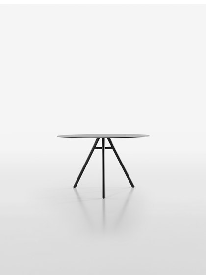 Mart Table 9834-01 | 9835-01 de Plank | Mesas comedor