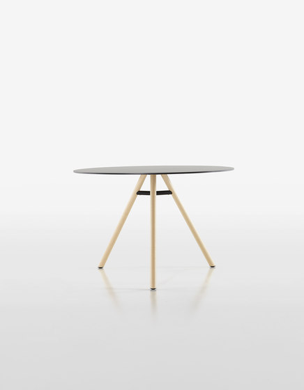 Mart Table 9834-01 | 9835-01 by Plank | Dining tables