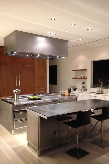 Miami steel island Küche von Officine Gullo | Kücheninseln