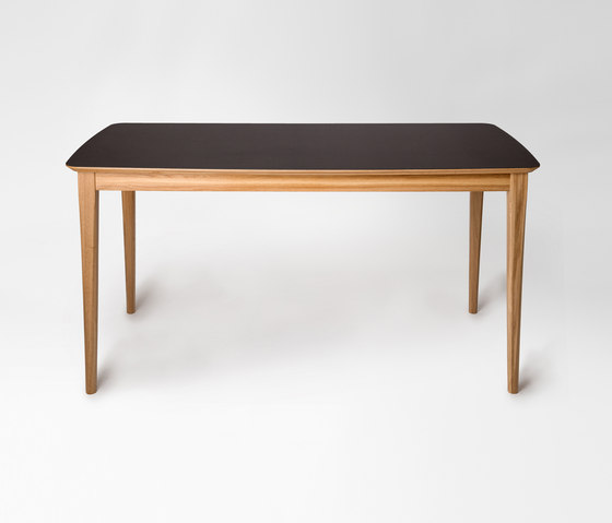 Market | rectangular table de Petite Friture | Mesas para restaurantes