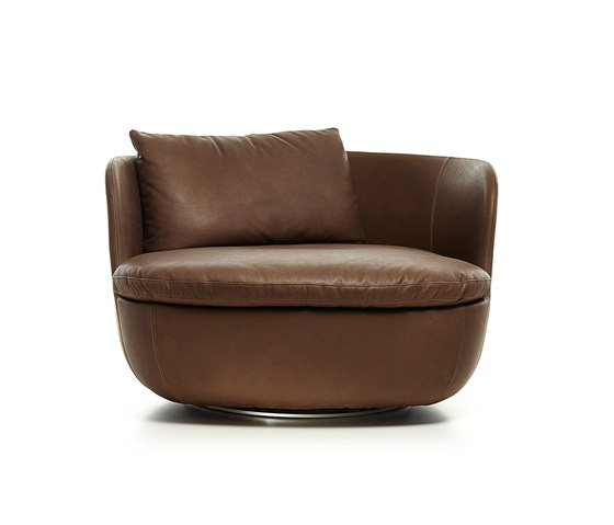 bart swivel armchair by moooi | Lounge chairs