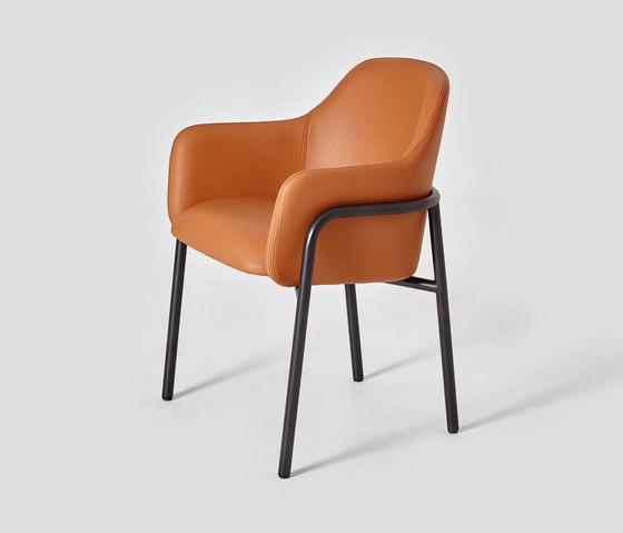 MT Club Chair Metal Frame de VG&P | Sillas