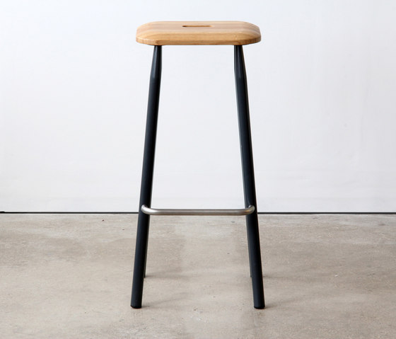 VG&P High Stool de VG&P | Tabourets de bar