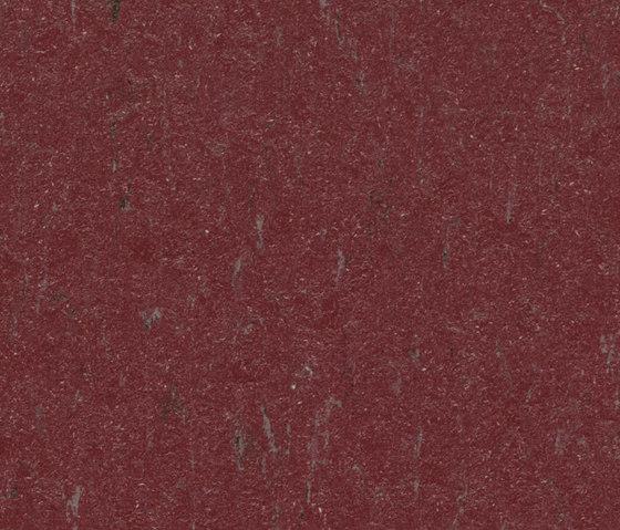 Marmoleum Piano school red di Forbo Flooring | Pavimentazione linoleum