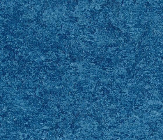 Marmoleum real blue linoleum flooring from forbo for Blue linoleum floor tiles