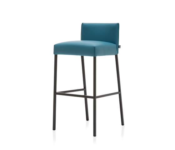 rolf benz 652 bar stools from rolf benz architonic. Black Bedroom Furniture Sets. Home Design Ideas