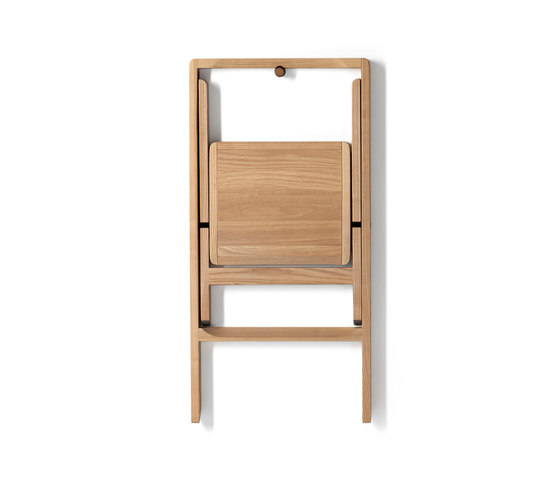 Step Mini step stool di Design House Stockholm   Scalette libreria