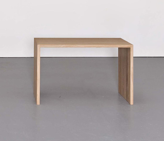 RELIKT sidetable / stool de Sanktjohanser | Mesas auxiliares
