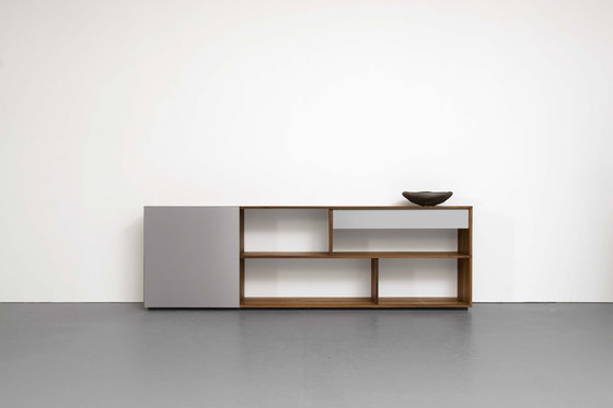 ANALOG modular shelf- und sideboardsystem by Sanktjohanser | Shelving