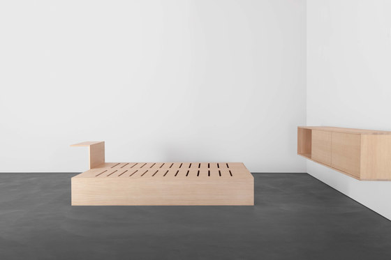 SALTO couch / daybed / sofa bed / bed di Sanktjohanser   Divani