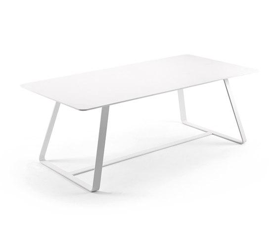Kolonaki table von Varaschin | Esstische