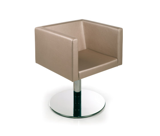 Kubika | GAMMASTORE Styling Salon Chair by GAMMA & BROSS | Barber chairs