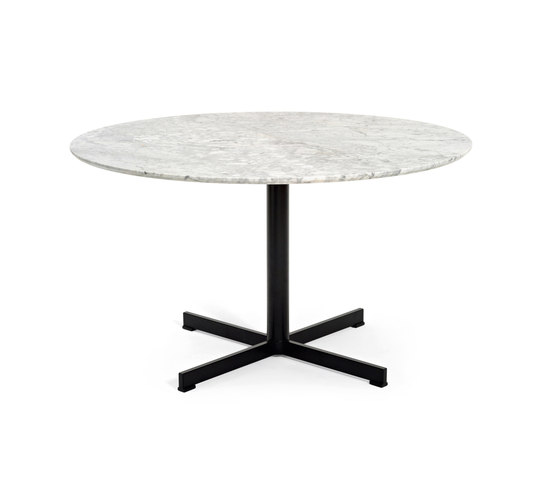Summerset base by Varaschin | Dining tables