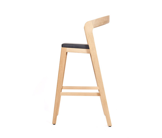 Play Barstool High – Oak Natural Stained with black calf leather cushion by Wildspirit | Bar stools