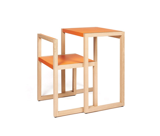Visa – Oak Natural, upholstered with orange calf leather by Wildspirit | Desks