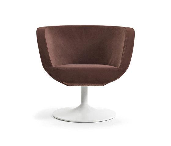 Charme fixed armchair de Varaschin | Fauteuils