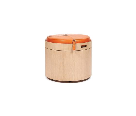 Stoll 50 – Oak Natural with orange calf leather cushion von Wildspirit | Behälter / Boxen