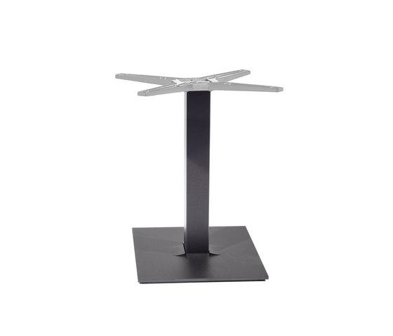 Tuxedo base by Varaschin | Dining tables