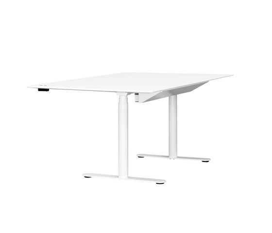 HiLow 2 de Montana Furniture | Tables collectivités