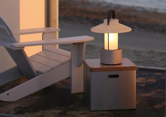 Claro! de TRADEWINDS | Lámparas exteriores de sobremesa