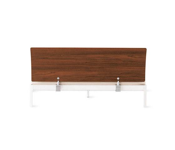 Min Bed with Wood Headboard von Design Within Reach | Betten