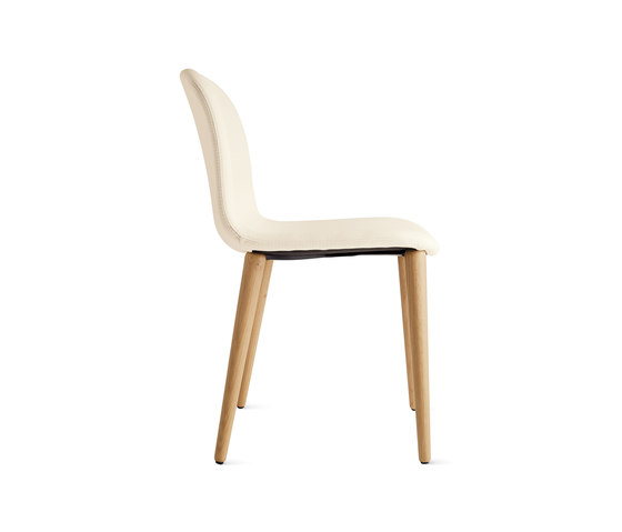 Bacco Chair in Leather | Oak Legs de Design Within Reach | Sillas