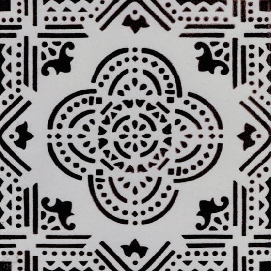 Madras Fondo bianco decoro manganese de La Riggiola | Carrelage céramique