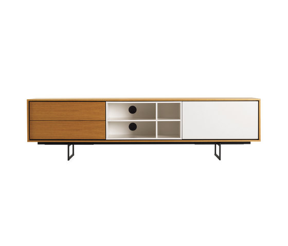 Aura Media Unit von Design Within Reach | Multimedia Sideboards