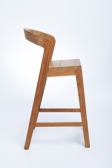 Play Barstool Low – A Grade Teak de Wildspirit | Taburetes de bar