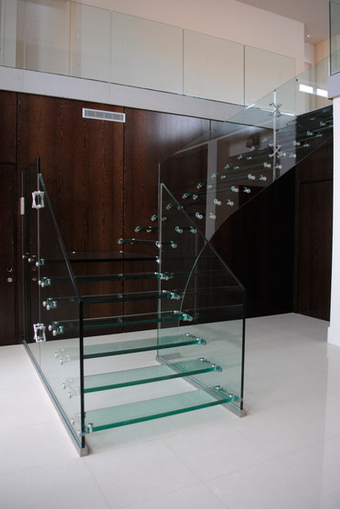 Mistral USA by Siller Treppen   Staircase systems