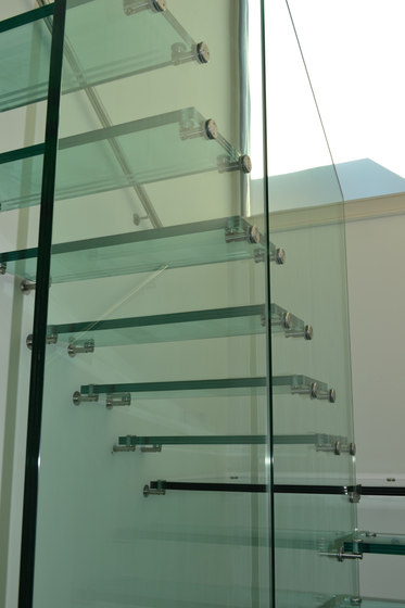 Mistral All Glass Zurich by Siller Treppen | Staircase systems