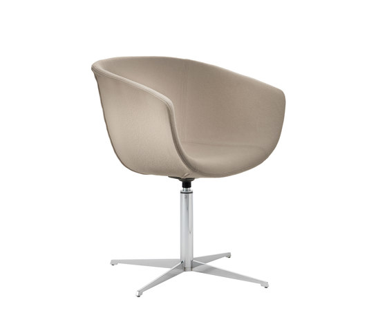 Derby | 4 star swivel blade base, upholstered von Segis | Stühle